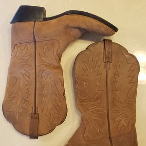 Ariat brown leather woman cowboy boots 8.5